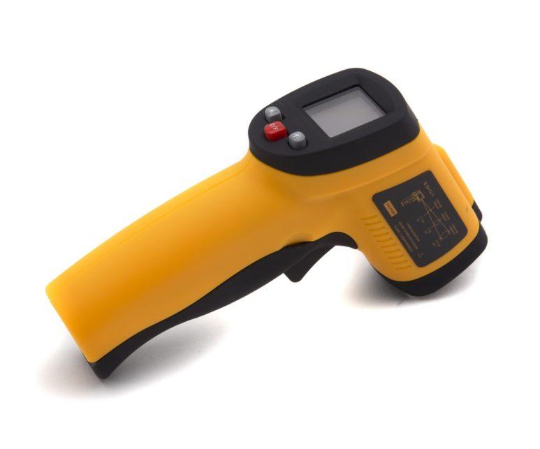 2135 Termometro a raggi infrarossi